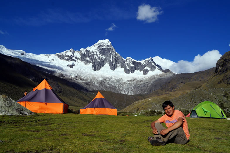 Taullipampa campsite, in the Santa Cruz trek
